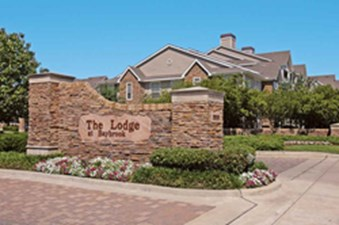 Lodge at baybrook friendswood 869 for 1 2 bed apts for Clearbrook lodge