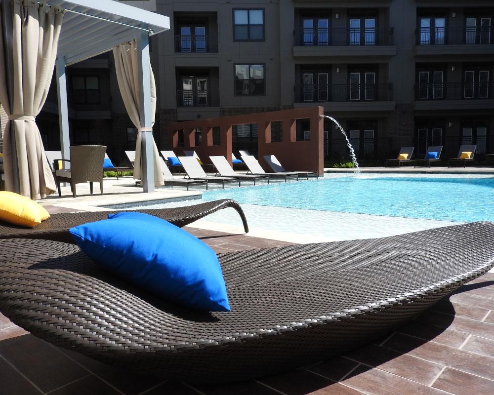Pool at Listing #279578