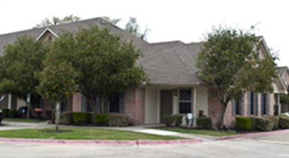 Exterior at Listing #140133