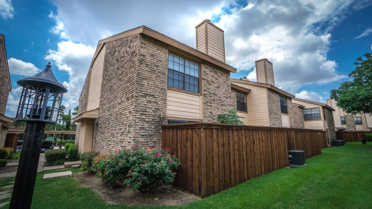 Huntington Cove Townhomes Farmers Branch TX