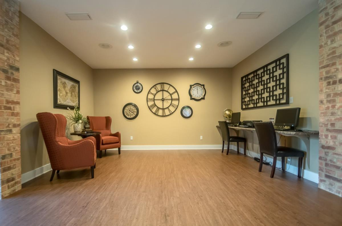Business Center at Listing #135843