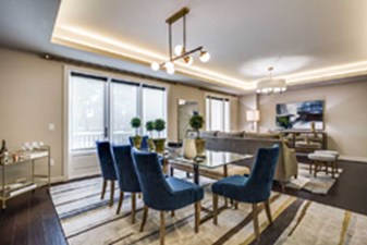 Dining at Listing #293539