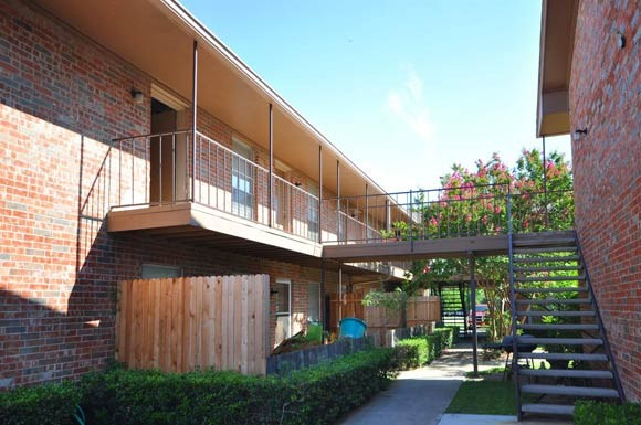 Exterior at Listing #255084