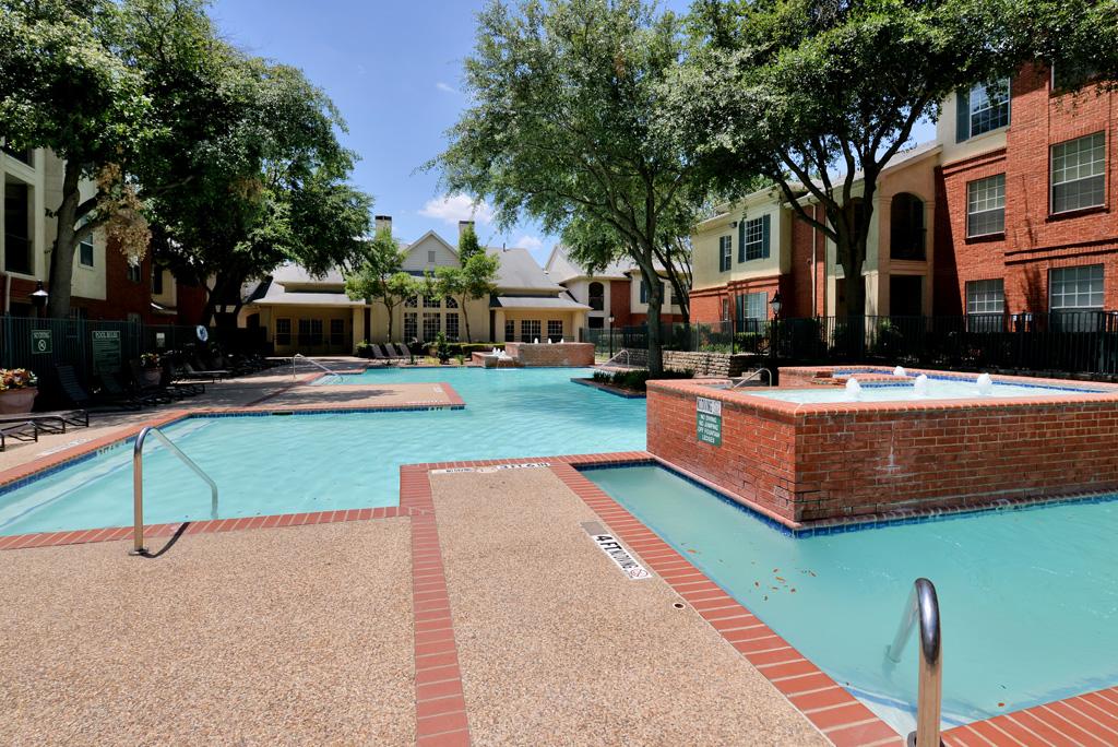 Pool at Listing #137565