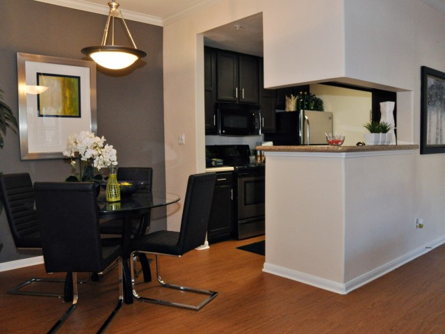 Dining/Kitchen at Listing #139974