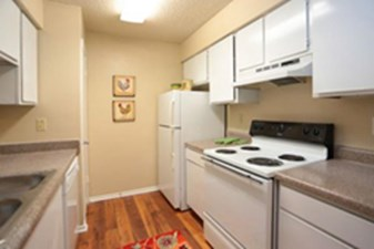 Kitchen at Listing #139224