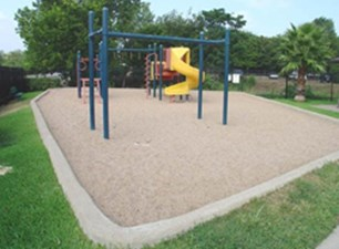 Playground at Listing #140528