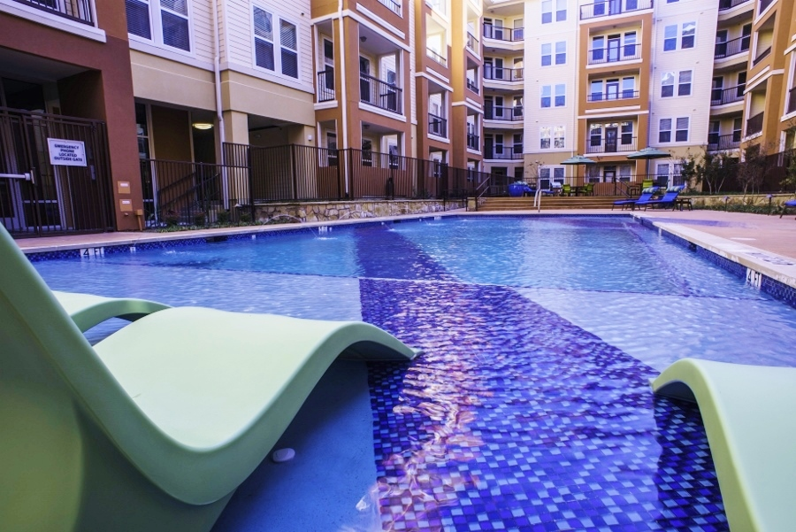 Pool at Listing #270401