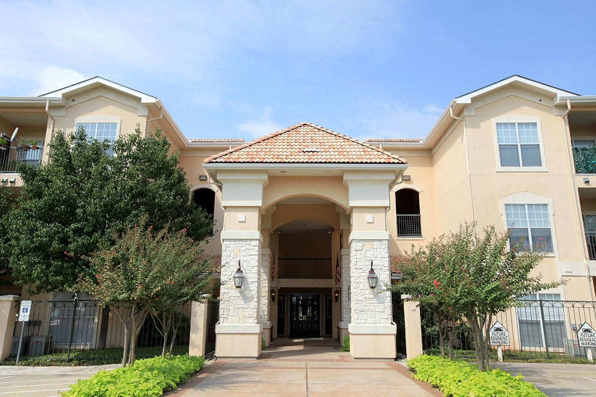 Villas of Mission Bend Apartments
