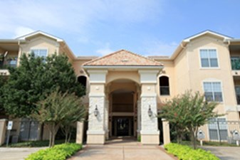 Villas of Mission Bend at Listing #137975