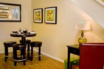 Dining at Listing #136500
