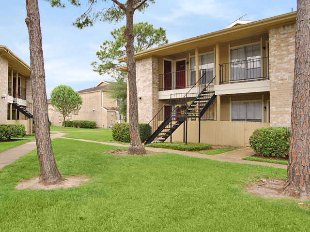 Exterior at Listing #138253