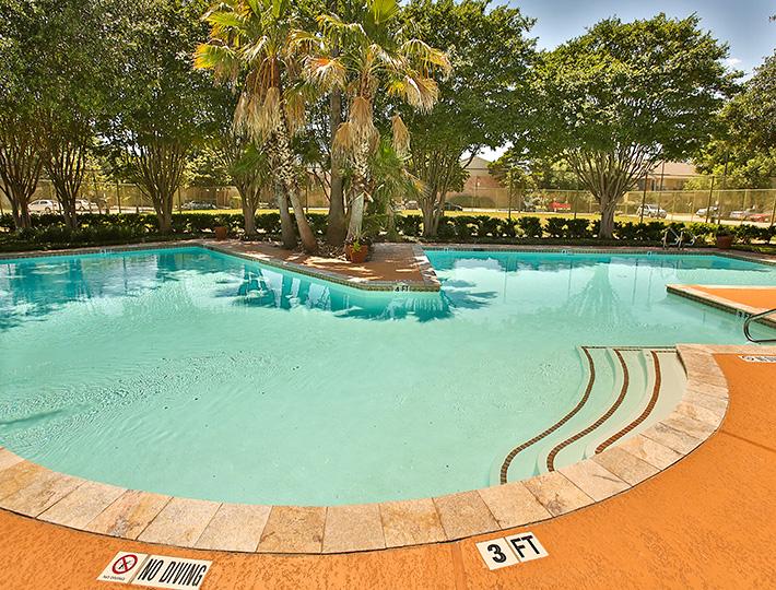 Pool at Listing #139994