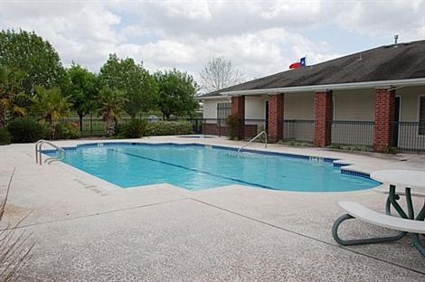 Pool at Listing #140040