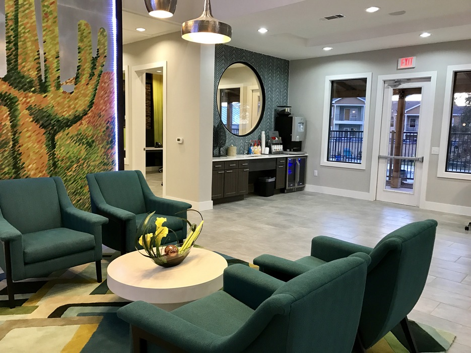 Business Center at Listing #289440