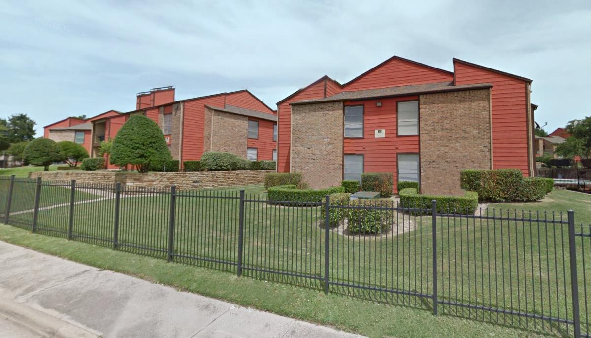 Exterior at Listing #135734