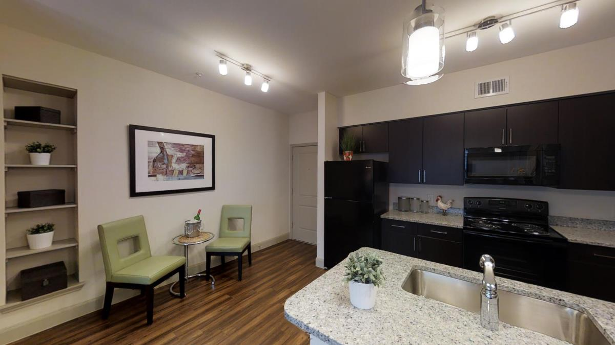 Dining/Kitchen at Listing #292765