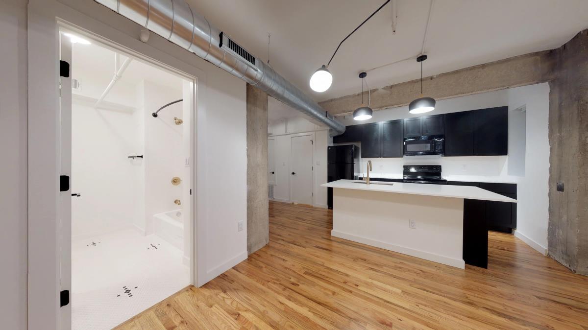 Kitchen at Listing #136142