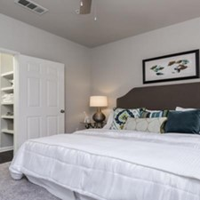 Bedroom at Listing #144594