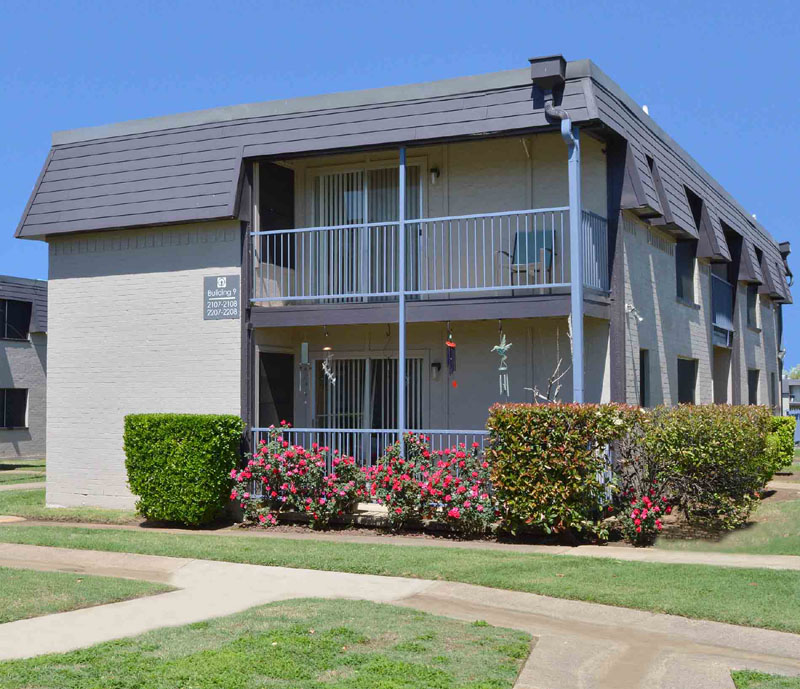 Exterior at Listing #137544