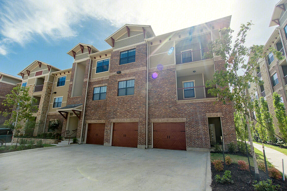Exterior at Listing #275394