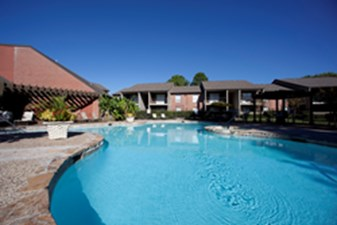 Pool at Listing #139984