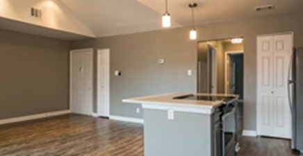 Living at Listing #140422