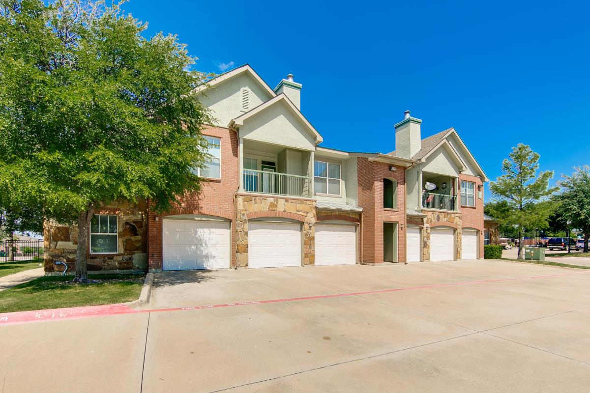 Exterior at Listing #144093