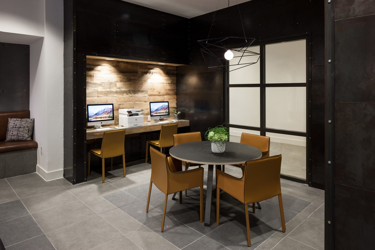 Business Center at Listing #281374