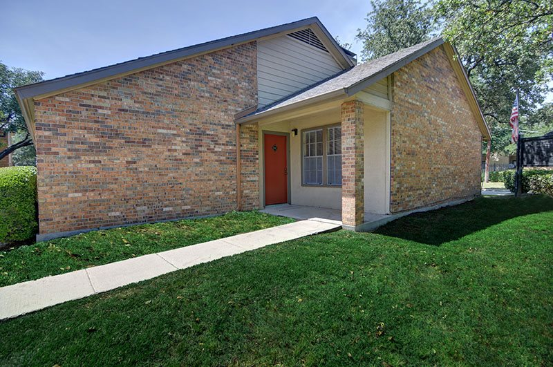 Exterior at Listing #135946
