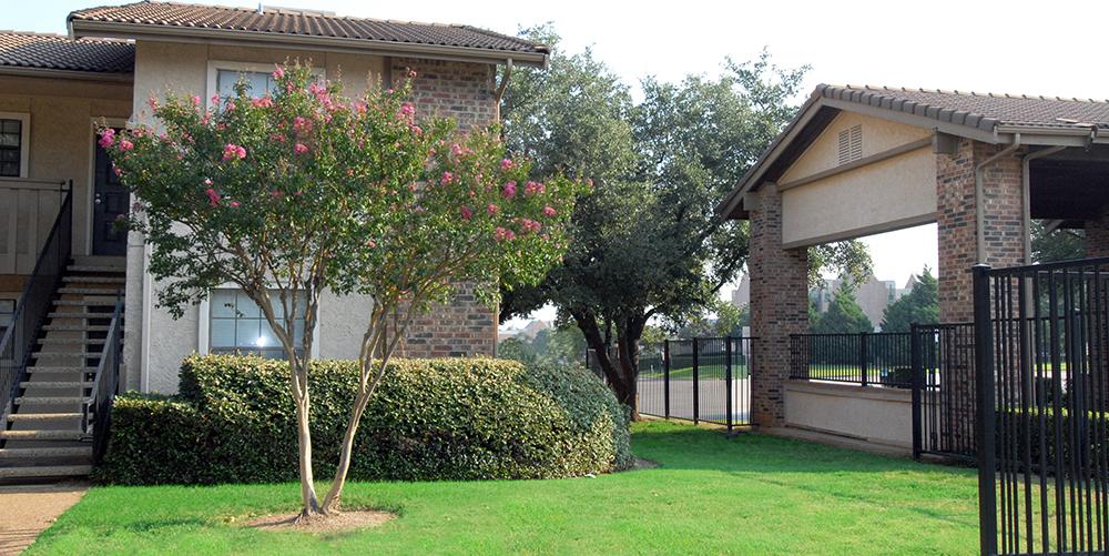 MacArthur Park Apartments Irving TX
