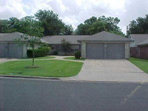 Exterior 5 at Listing #136967