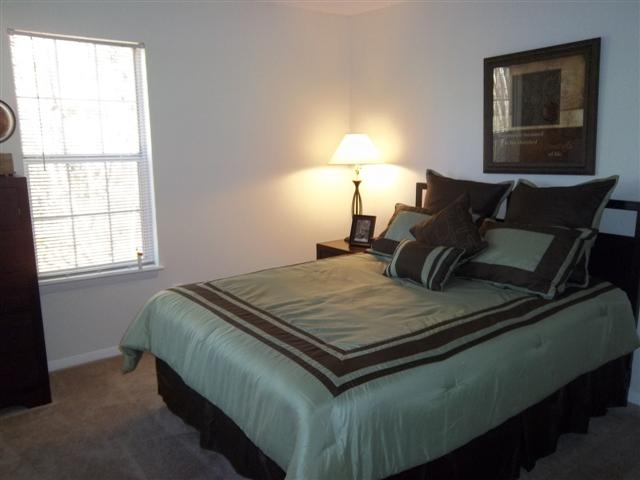 Bedroom at Listing #150780