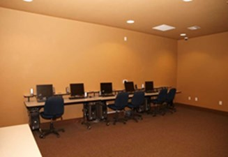 Business Center at Listing #144075