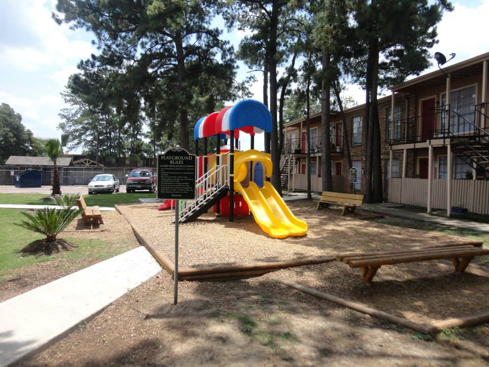 Playground at Listing #140001