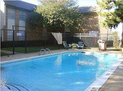 Pool at Listing #137297