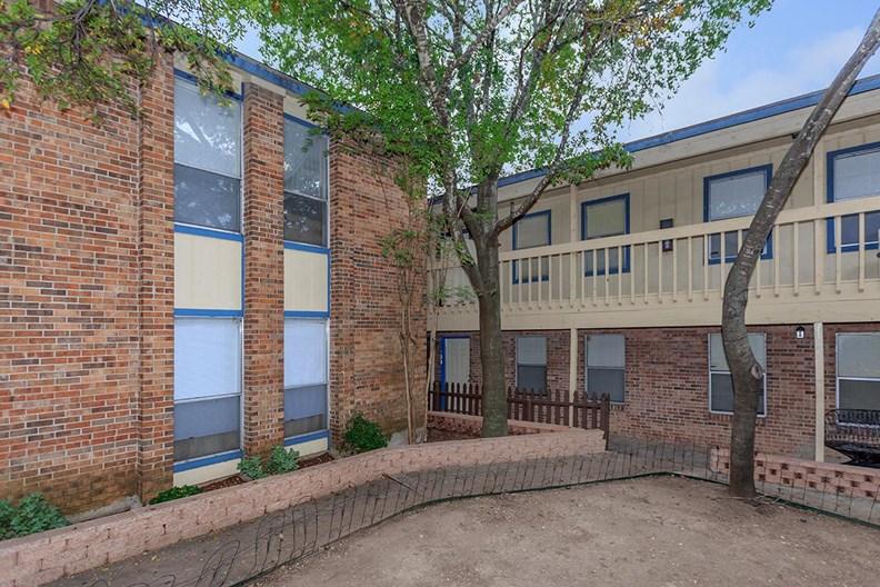 Soco 121 Apartments