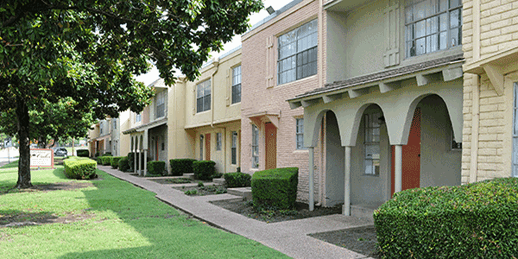 Garland Oaks Apartments
