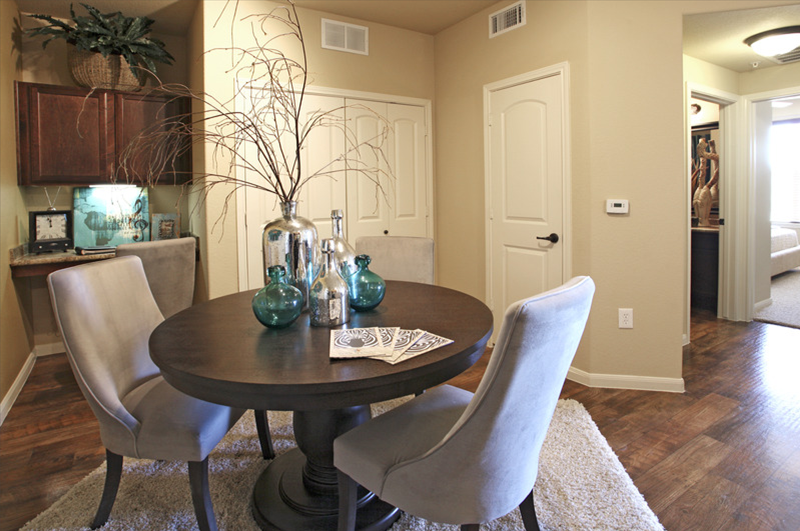 Dining at Listing #241486