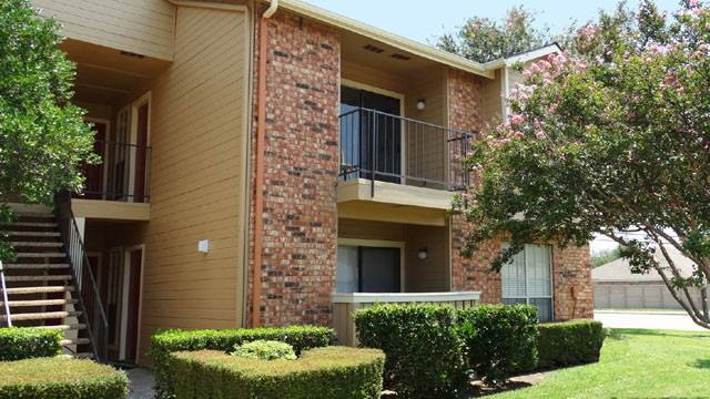 Exterior at Listing #136566