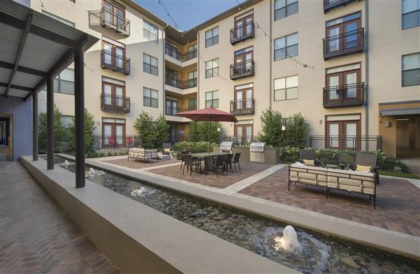 Courtyard at Listing #138211