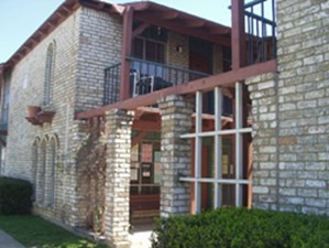Exterior at Listing #136641