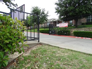 Gated Entry at Listing #144808