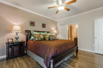 Bedroom at Listing #155275