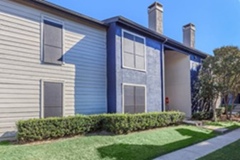 Exterior at Listing #135735