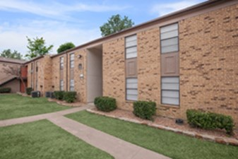 Exterior at Listing #135803