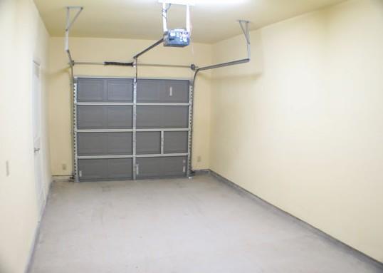 Garage at Listing #144675