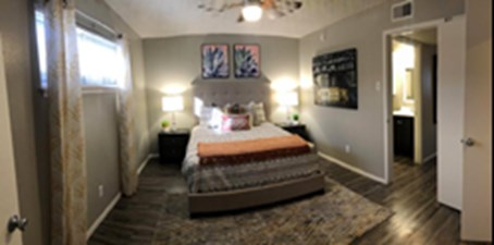 Bedroom at Listing #141048