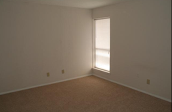 Bedroom at Listing #217440