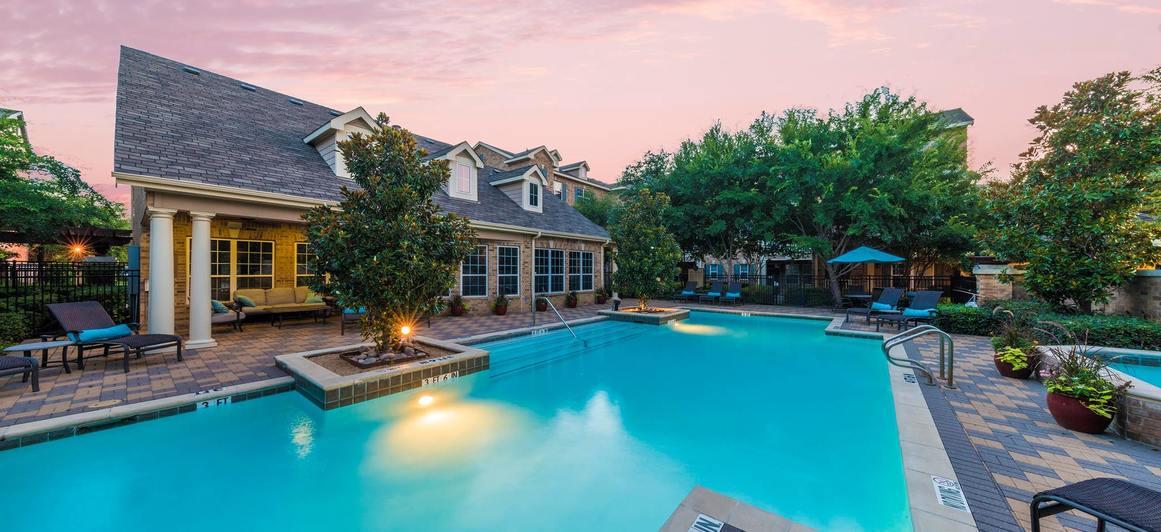 Pool at Listing #136592